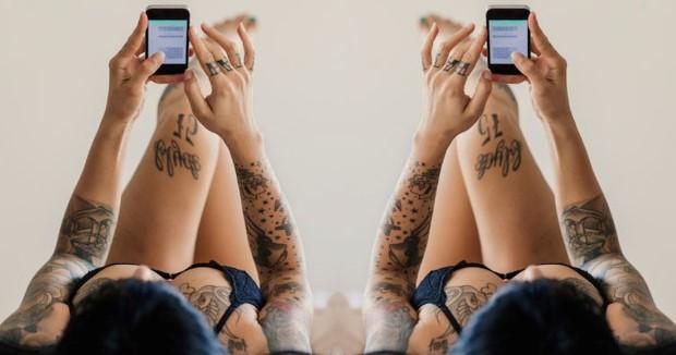 Απ' ό,τι φαίνεται, το sexting δεν έχει κανένα όφελος για τις σχέσεις από απόσταση