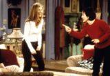 Ας κάνουμε τα «apartment pants» της Rachel Green την τάση της καραντίνας