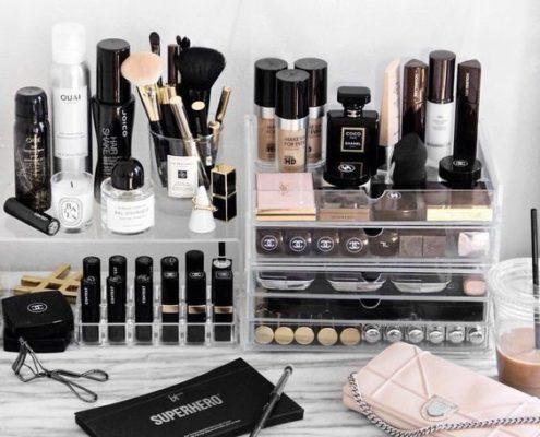 Αυτά τα 7 προϊόντα θα σε βοηθήσουν να οργανώσεις το make up σου