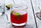 Αυτό το cocktail ονομάζεται «hello summer» και είναι ακριβώς αυτό που υπόσχεται