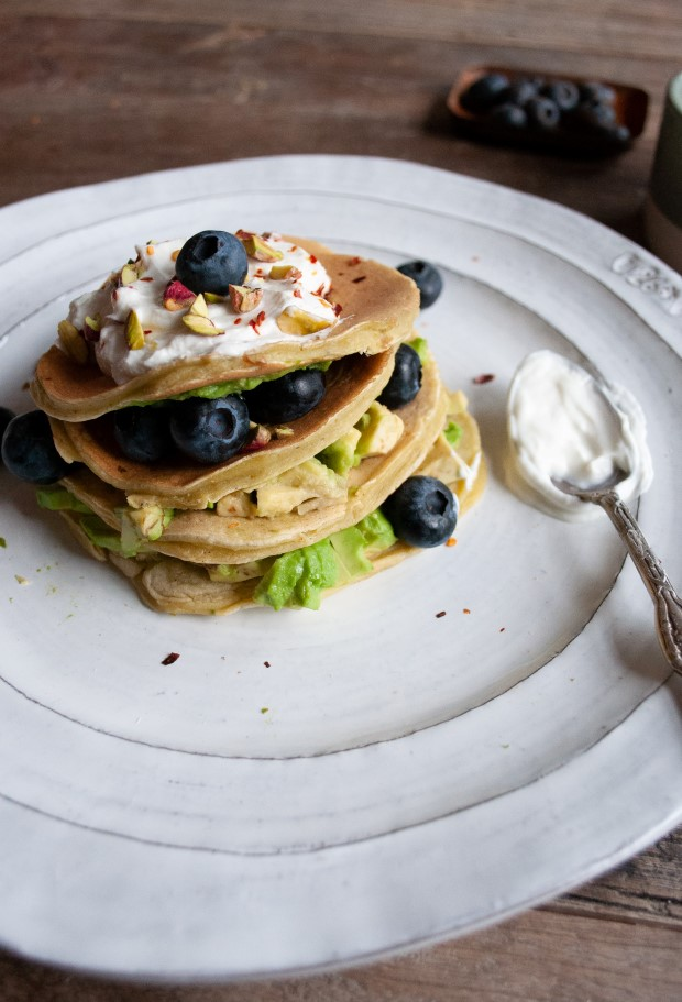 Αφράτα avocado pancakes