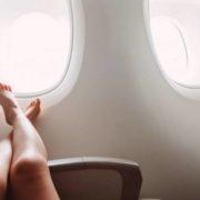 Γιατί δεν πρέπει να βγάζεις τα παπούτσια σου στο αεροπλάνο