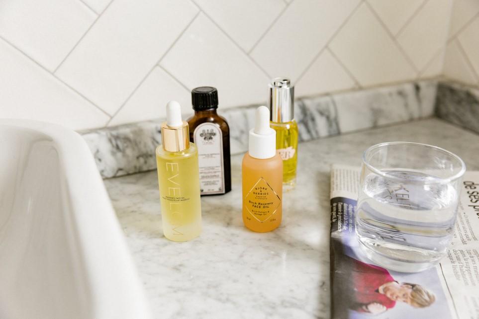 Γιατί το face oil είναι απαραίτητο στη ρουτίνα σου τον χειμώνα