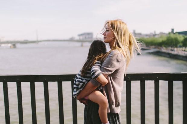 Γράμμα σε κάθε single μαμά πώς να επιβιώσεις όταν όλα μοιάζουν αβάσταχτα;