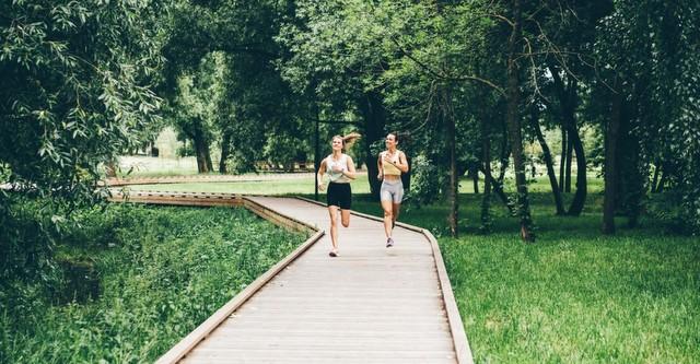 Δεν είσαι σίγουρη για το τι να φας πριν το τρέξιμο; Τι συνιστά μια αθλητική διατροφολόγος.