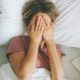 Είναι κακό τελικά να κοιμάσαι με βρεγμένα μαλλιά;