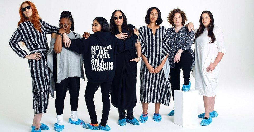 Η βασίλισσα της μόδας Whoopi Goldberg λανσάρει την πρώτη της συλλογή