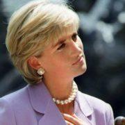Η ηθοποιός που θα υποδυθεί την πριγκίπισσα Diana στο The Crown θα σου δημιουργήσει το απόλυτο deja-vu