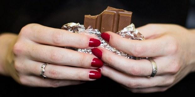 Φάε μια σοκολάτα να πάνε οι πίκρες κάτω