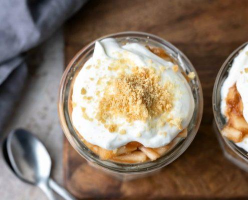 Η συνταγή για το πιο γρήγορο, ατομικό apple pie parfait