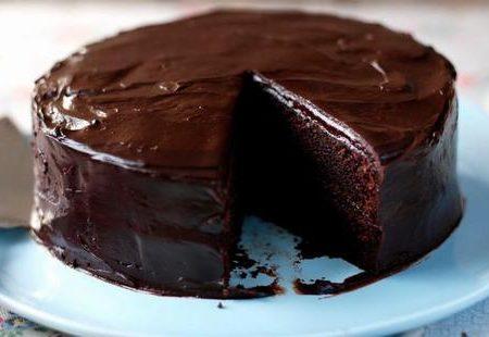 Η συνταγή για το σοκολατένιο κέικ που σκέφτεσαι