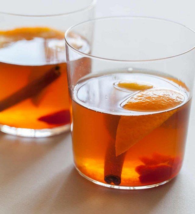 Η συνταγή για Old Fashioned με χειμωνιάτικα vibes