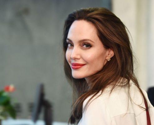 Η Angelina Jolie ετοιμάζει ενημερωτική εκπομπή για εφήβους με τη βοήθεια του BBC