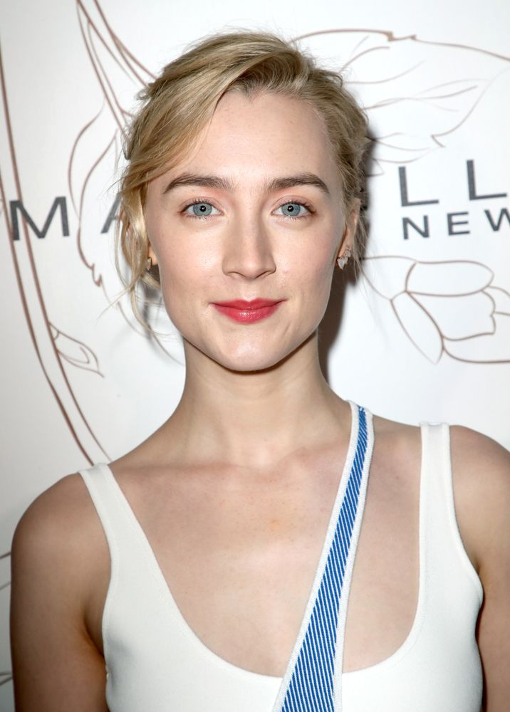 Η Saoirse Ronan έχει βρει τουλάχιστον 12 τρόπους να μας εμπνεύσει με το make up της (12)Η Saoirse Ronan έχει βρει τουλάχιστον 12 τρόπους να μας εμπνεύσει με το make up της (12)