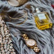 Κράτησε λαμπερά τα χρυσά σου κοσμήματα με αυτά τα tips