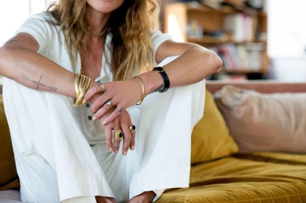 Μάθε να κάνεις layering στα κοσμήματά σου σαν fashion influencer