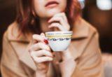 Μία νέα έρευνα αποκάλυψε τι συμβαίνει στο μυαλό μας όταν σκεφτόμαστε τις θεωρίες συνομωσίας