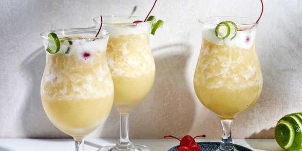 Μπες σε mode νησιού πίνοντας Banana Daiquiri στο μπαλκόνι σου