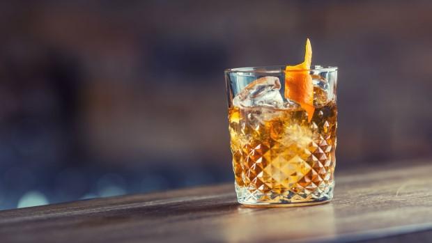 Μπορείς να πιεις Old Fashioned αλλά με ρούμι