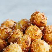 Μπουκιές choux με άρωμα καρύδας