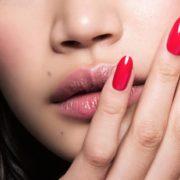 Οδηγίες για να καμουφλάρεις ένα σπασμένο νύχι