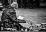 Οι «Αρραγείς Λέξεις» είναι η ομάδα που προσφέρει βιβλία σε ανθρώπους χρειάζονται συντροφιά
