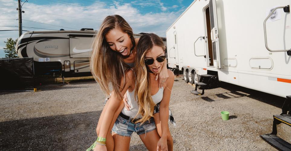 Οι 10 πιο περίεργες φιλίες ανάμεσα στα ζώδια