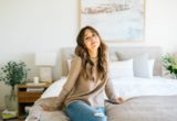 Οι 11 συμβουλές της Camille Styles για να κοιμάσαι καλύτερα