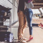Οι 8 σκέψεις που πρέπει να κάνεις πριν μπεις σε μια σχέση από απόσταση