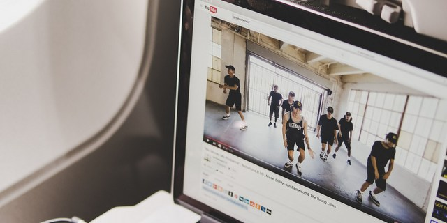 Πες μου ποια είσαι να σου πω με ποια fitness vlogger θα γίνεις φίλη