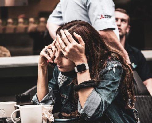 Ποια είναι η διαφορά μεταξύ μιας κρίσης άγχους και μιας κρίσης πανικού