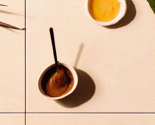Πράσινο τσάι Vs καφές ποια είναι η πιο υγιεινή πηγή καφεΐνης;