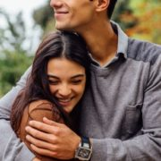 Πως θα καταλάβεις καλύτερα τον σύντροφο σου με βάση τη δική του γλώσσα αγάπης