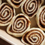 Πως να κάνεις cinnamon rolls σε 30 λεπτά