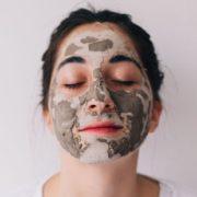 Πότε να πλένεις το πρόσωπό σου μετά από περιποίηση με μάσκα ομορφιάς;