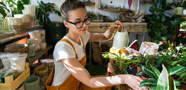 Πώς η ενασχόληση σου με τα φυτά ή τον κήπο μπορεί να ωφελήσει την ψυχική σου υγεία