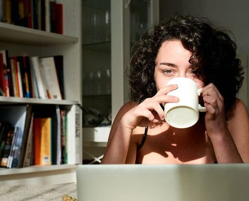 Πώς να αποφύγεις το burnout αν δουλεύεις από το σπίτι