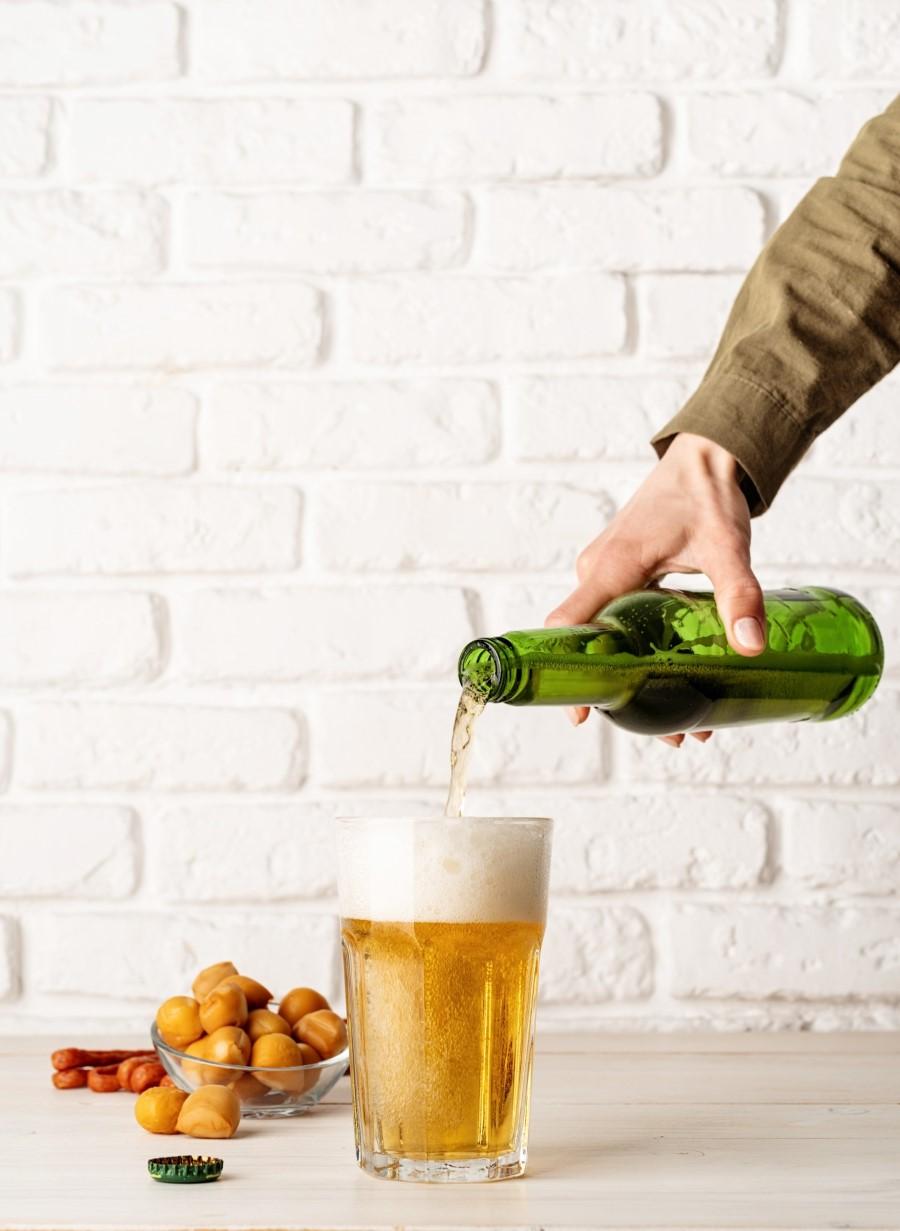 Πώς να συνδυάσεις την αγαπημένη σου μπύρα με το αγαπημένο σου τυρί τώρα που καλοκαιριάζει