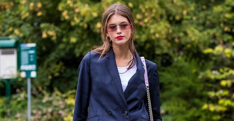 Πώς να φορέσεις το καρό σακάκι σου όπως η Kaia