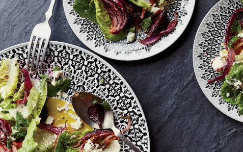 Σαλάτα με ψητά παντζάρια και dressing φέτας