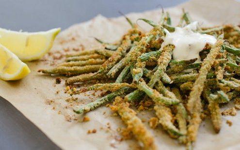 Σνακ με τραγανά στικς από πράσινα φασολάκια
