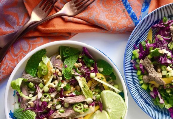 Σπάσε τη πλήξη της σαλάτας με την thai beef συνταγή