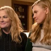 Στη νέα ταινία 'Moxie' της Amy Poehler τα κορίτσια κάνουν -επιτέλους- την επανάστασή τους