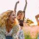 Ταινίες και βιβλία για τη γυναικεία φιλία που θα σε κάνουν να μοιράζεις high-five στις γυναίκες της ζωής σου