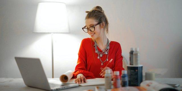 Τα βασικά βήματα του make up όταν δουλεύεις από το σπίτι