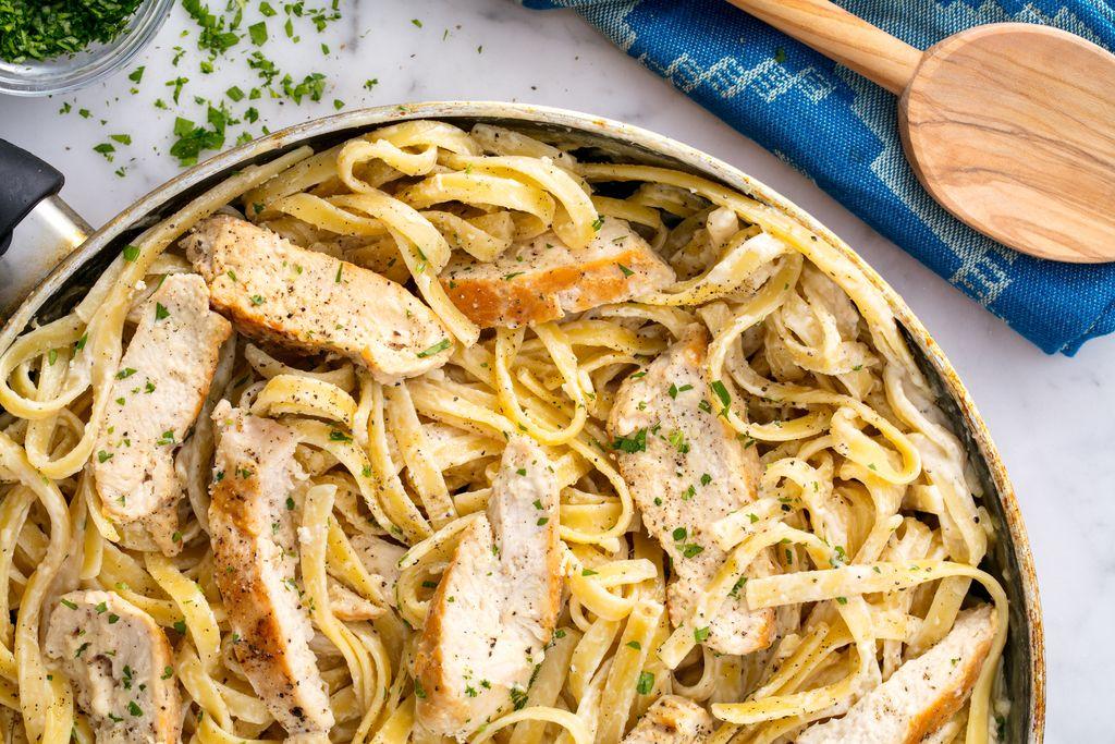 Τα ζυμαρικά Alfredο είναι το πιο δικαιολογημένο cheat meal που μπορείς να έχεις