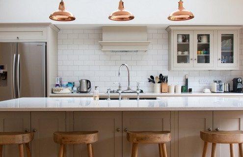Τα λάθη που κάνεις όταν βάφεις τα ντουλάπια της κουζίνας σου