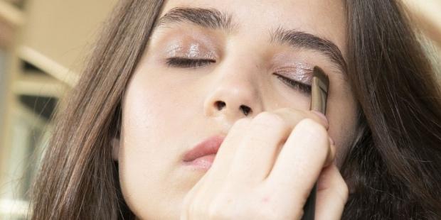Τα μυστικά μακιγιάζ για ευαίσθητη επιδερμίδα