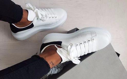 Τα πιο δημοφιλή λευκά sneakers που θέλουμε να αποκτήσουμε