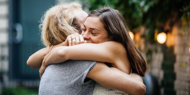 Τα 10 σημάδια πως η φιλία σας θα κρατήσει για πάντα